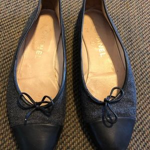 Chanel black and gray ballet flats